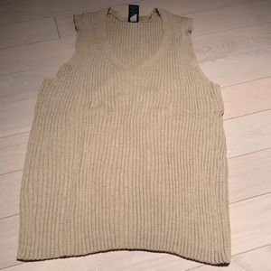 Tan Gap Sweater Tank Size XL